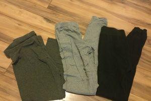 Bundle of basic leggings